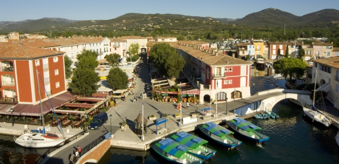 Affito Di Mobil Home Port Grimaud Camping Sud Della Francia Riviera Vacanze